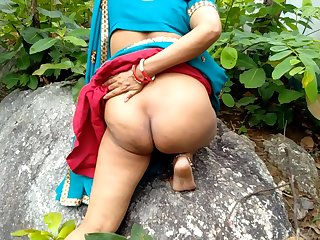 Indian Desi Girlfriend in Open Field Village Outdoor Sex  In Forest On Rock
